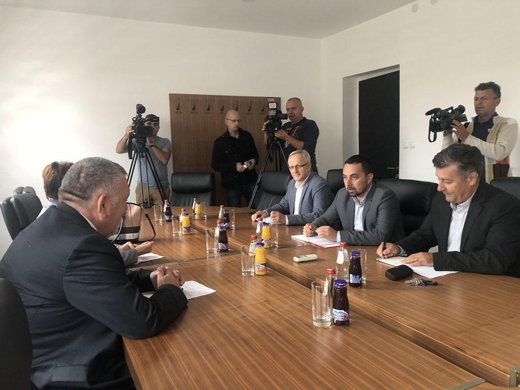 Ministar saobraćaja Trninić i gradonačelnik Doboja Jerinić.