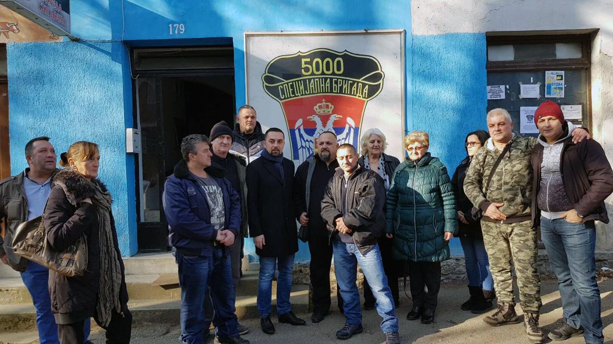 Gradonačelnik Jerinić sa članovima udruženja.