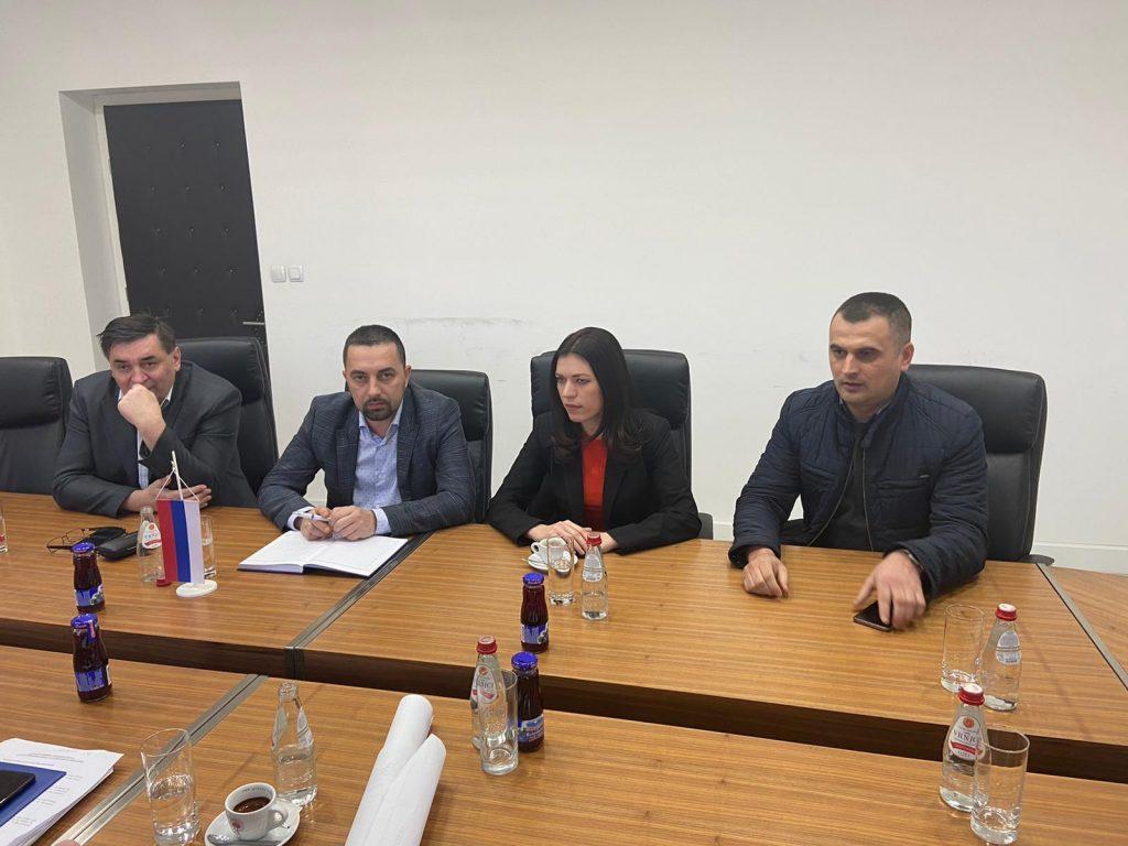 Gradonačelnik Doboja Boris Jerinić sa poslanicima u parlementima Bosne i Hercegovine i Republike Srpske.