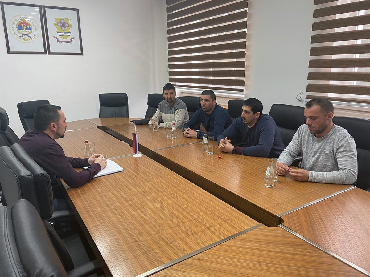 Predstavnici Škole sporta Sparta na sastanku sa gradonačelnikom Doboja.