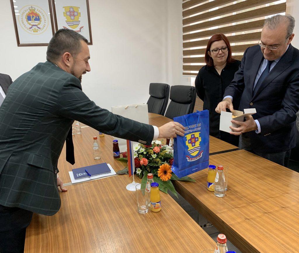 Gradonačelnik Doboja Boris Jerinić sa turskim ambasadorom u BiH.