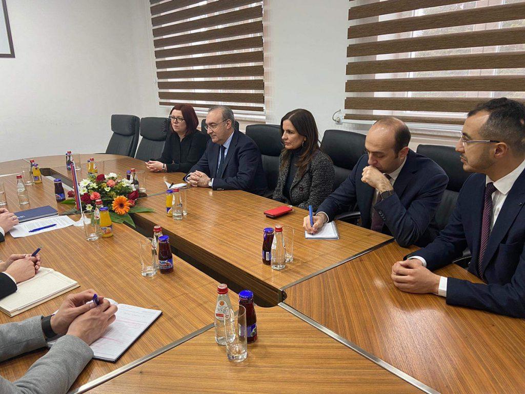 Ambasador Turske u BiH sa saradnicima u posjeti Doboju.
