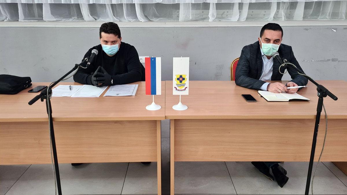 Gradonačelnik Boris Jerinić i Nenad Stevandić na sjednici Gradskog štaba za vanredne situacije.