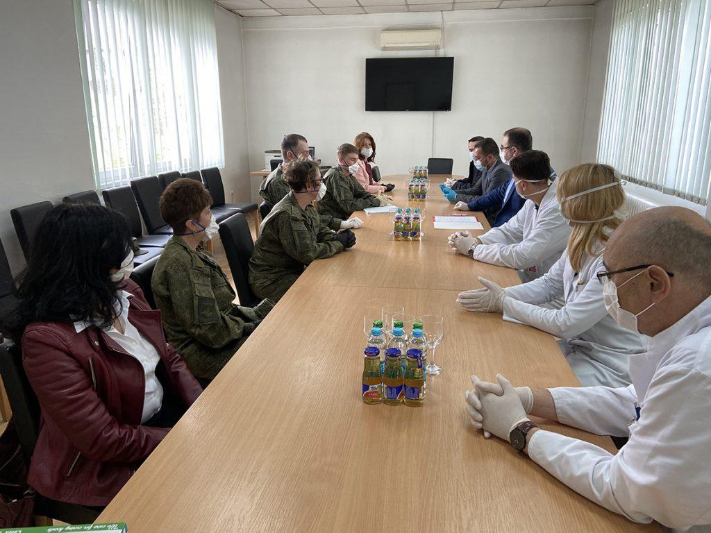Predstavnici dobojske lokalne vlasti sa ruskim stručnjacima.